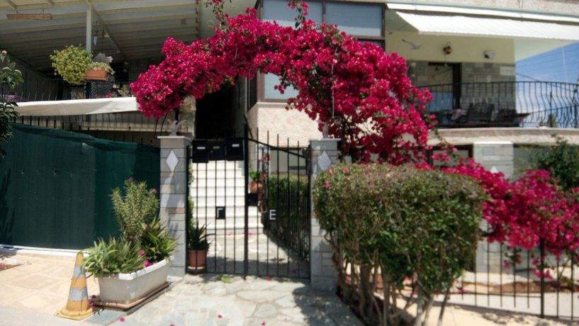 Villa George Nea Makri