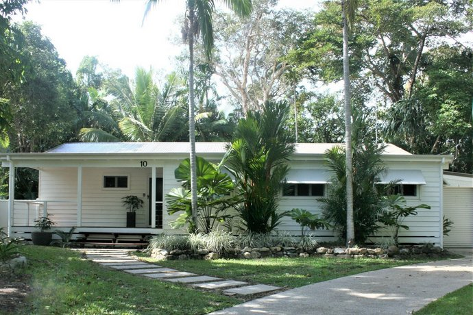 Photo: Atoll Close Port Douglas Holiday House