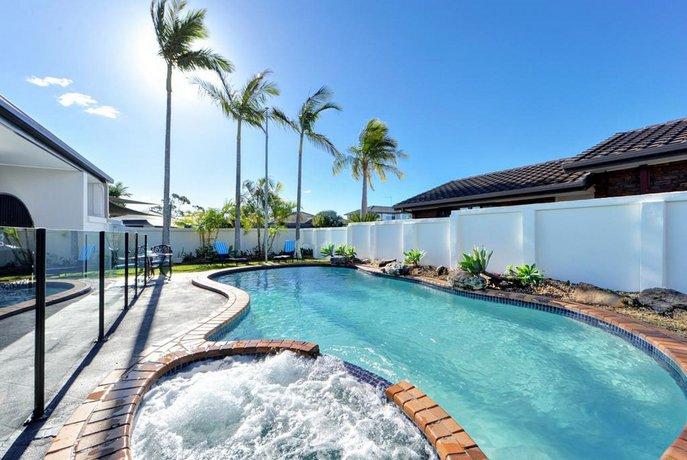 Photo: Mermaid Island Waterfront Family Holiday House - Beach House Holidays