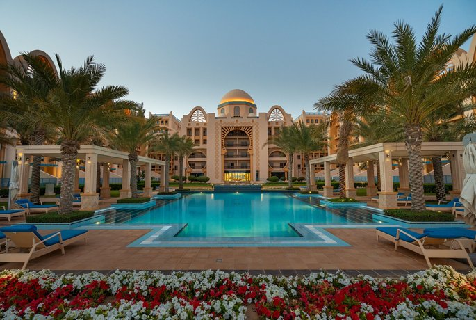 Simply Comfort Luxury Sarai Apartments 이미지