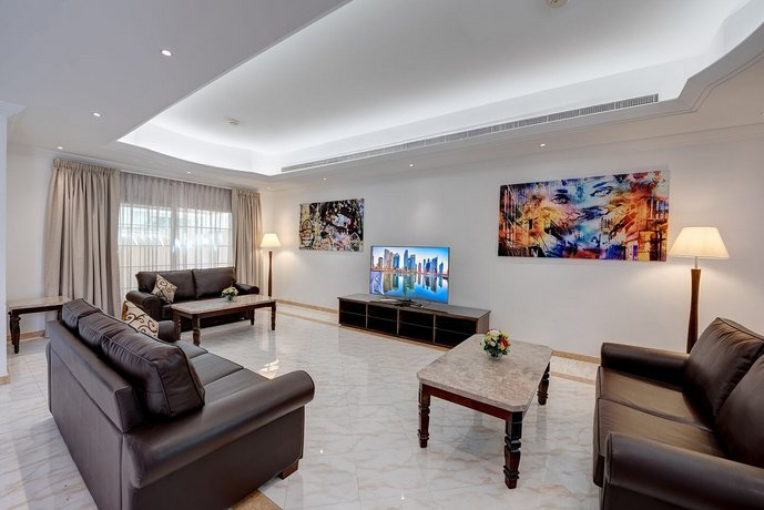 J5 Four Bedroom Villa Holiday home in Mirdif 이미지