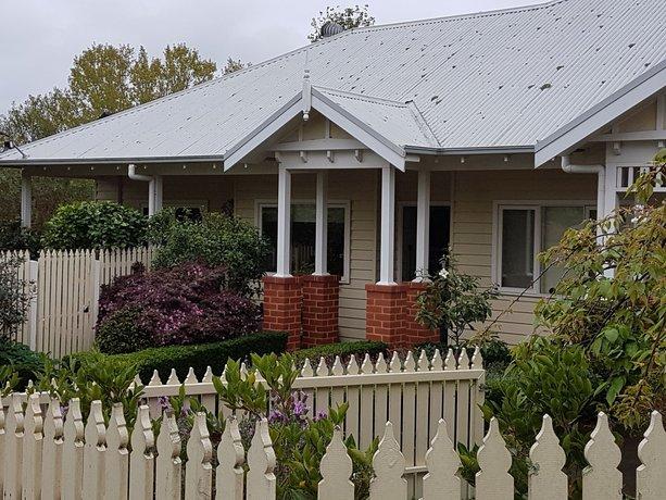 Photo: Healesville House - Fig Tree House