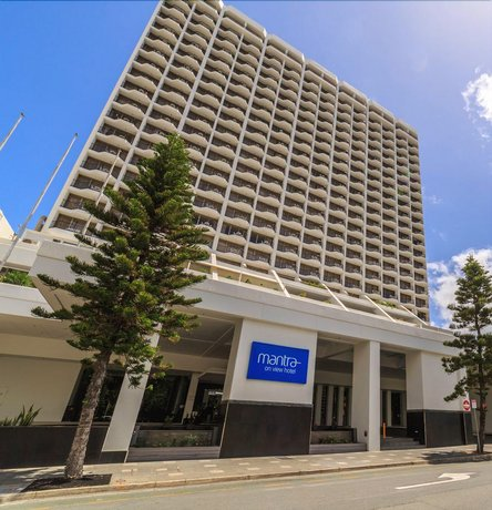 Photo: Studio 100 meters from beach at Surfers Paradise L5