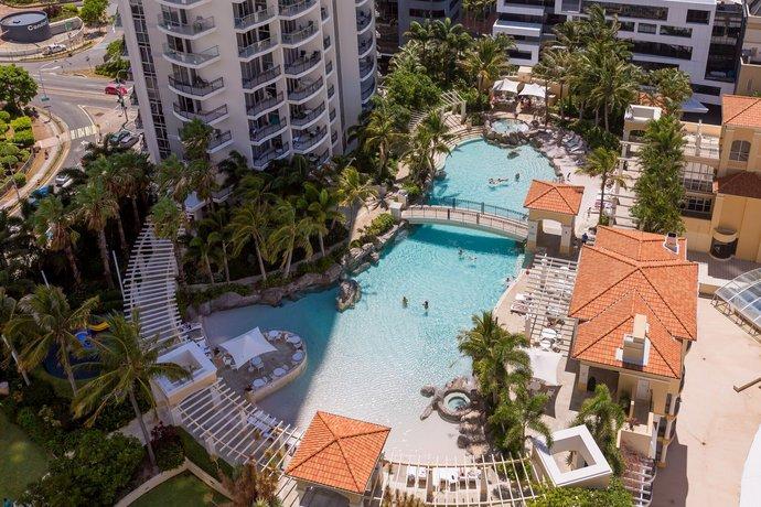 Photo: Holiday Holiday Chevron Renaissance Apartments