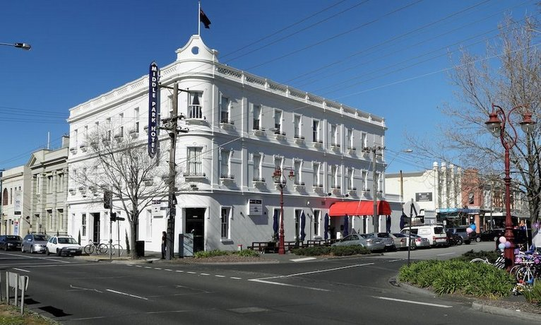 Photo: Middle Park Hotel