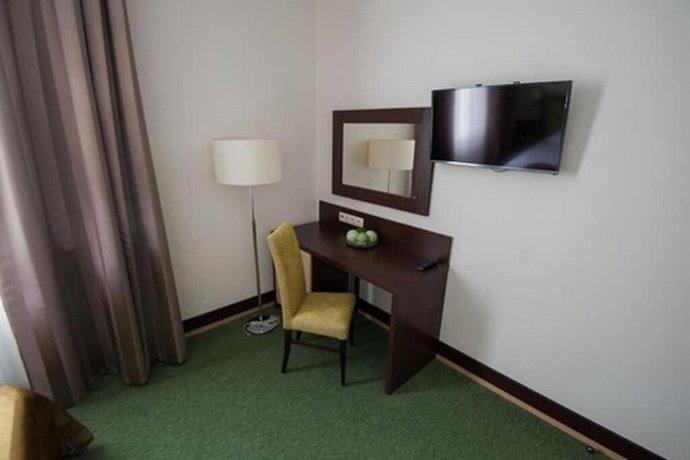 Отель Искра