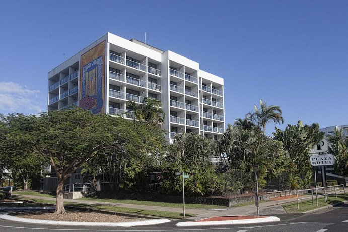 Photo: Cairns Plaza Hotel