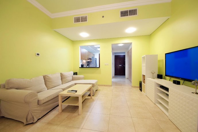 Signature Holiday Homes- Studio Apartment Venetian Tower Images