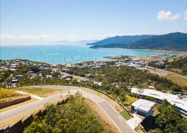 Photo: Sea Views Luxurious Family Home - Top of the Hill Airlie Beach