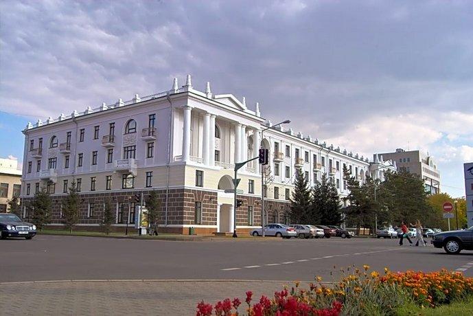 Отель Гранд Парк Есиль