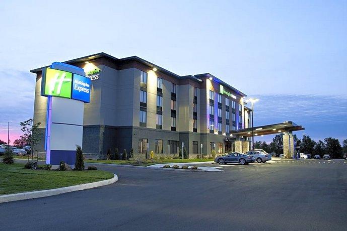Holiday Inn Express Pembroke Pembroke Images