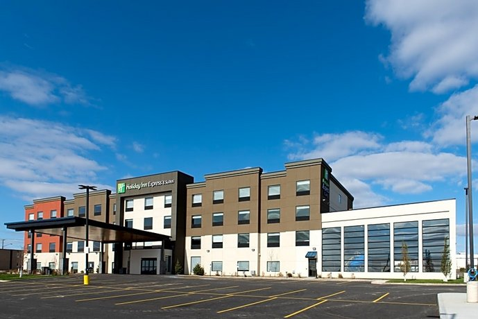 Holiday Inn Express & Suites - North Battleford Images