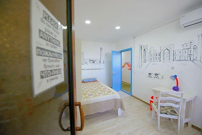 Topchan Hostel
