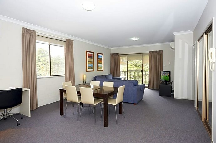 Photo: Oxley Court Serviced Apartments