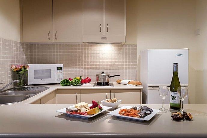 Photo: Canberra Parklands Central Apartment Hotel