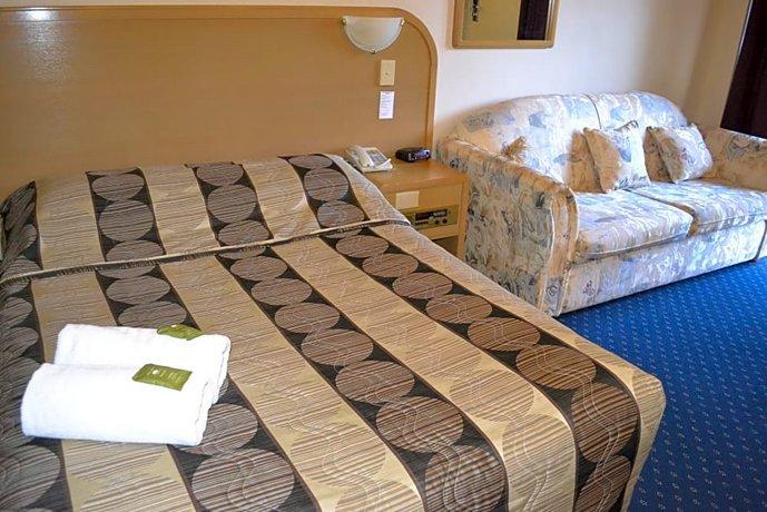 Photo: Dorset Gardens Hotel