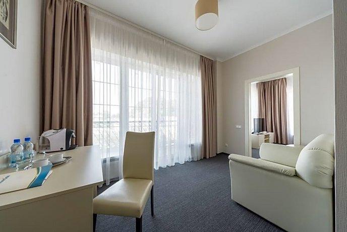 Отель Riverside