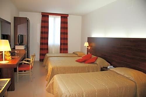 Delfina Palace Hotel