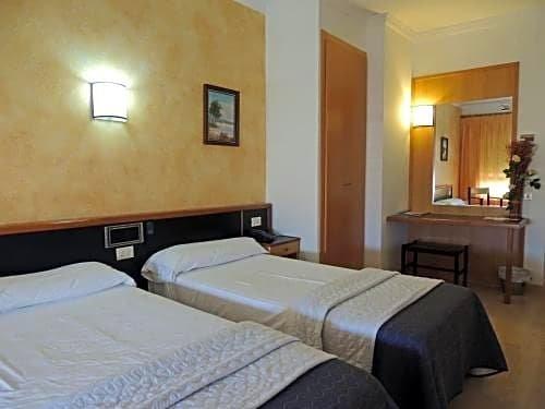 Hotel Vilobi Images