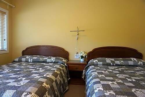 Coquihalla Motel Images