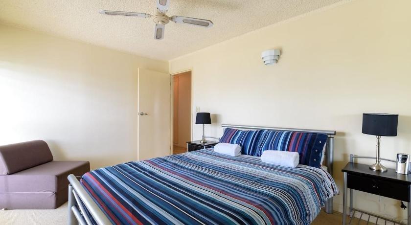 Photo: Main Beach Waterfront Apartment
