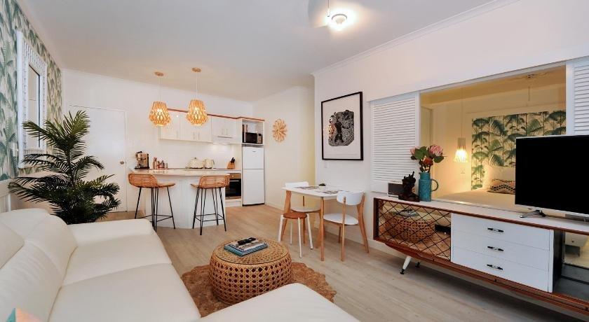 Photo: Retro Port Douglas Apartments
