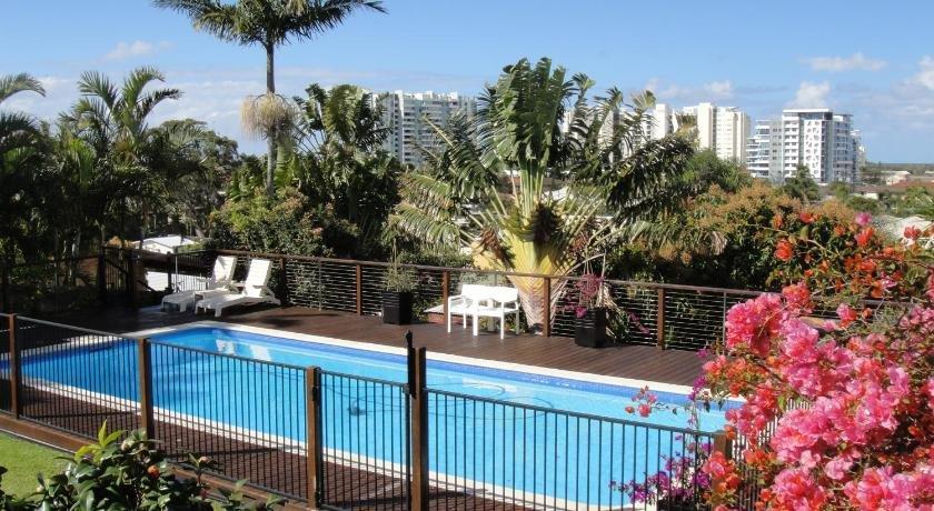 Photo: Villa with Views & Pool