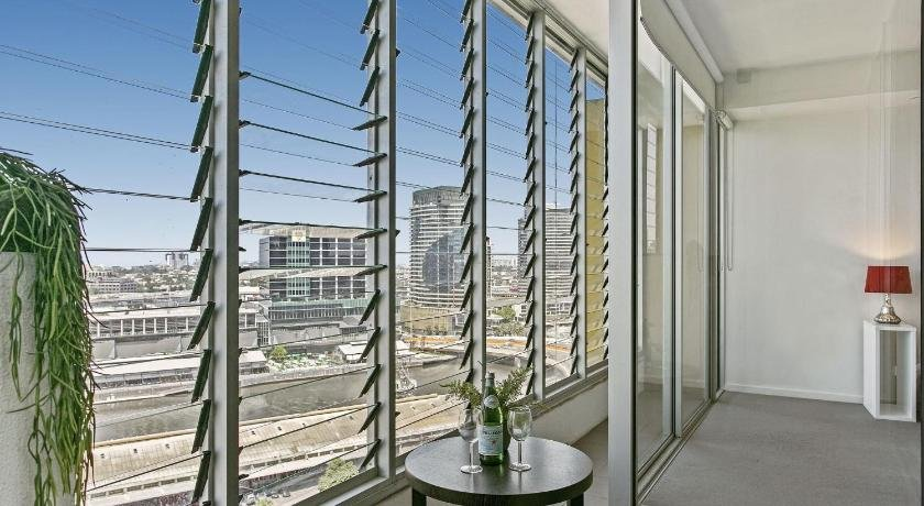 Photo: Modern Two Bedroom Apartment in Melbourne CBD