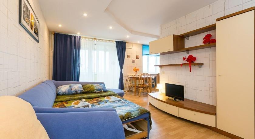 Ryadom s Hramom Znameniya Bogoroditsi Apartments