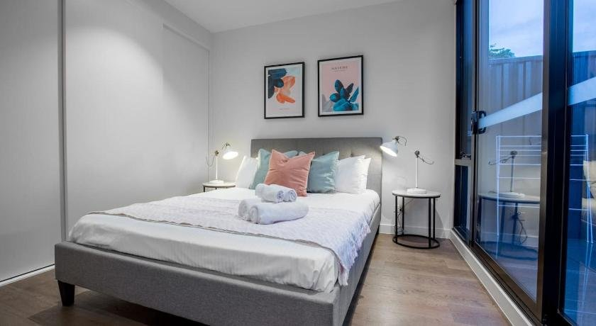Photo: Fantastic 2 Beds APT in Boxhill W Great Location