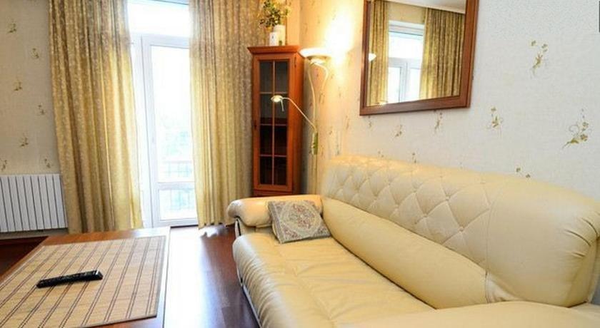 Apartments on the Artyoma Street 102