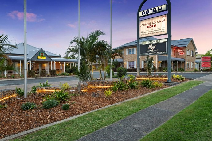 Coopers Colonial Motel Images