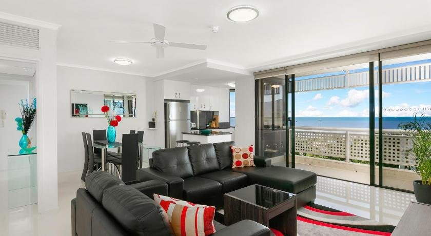 Photo: Cairns Luxury Seafront Apartment