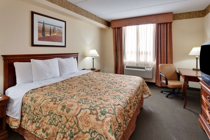 Country Inn & Suites by Radisson London South ON