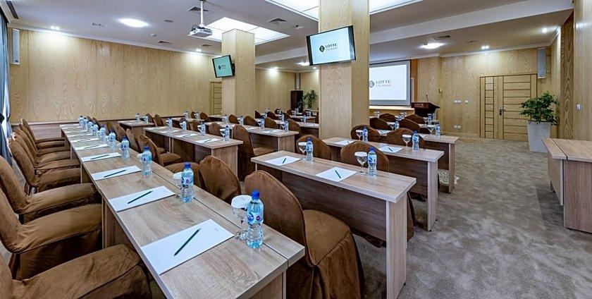 Lotte City Hotel Tashkent Palace