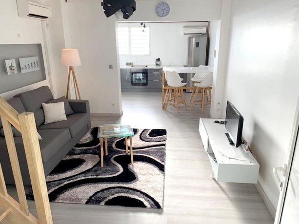 Apartment With one Bedroom in Fort-de-france With Wifi - 3 km From the Beach
