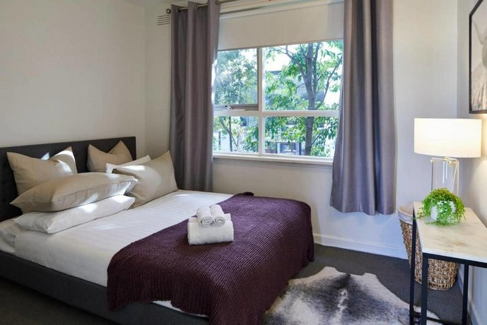 Photo: 1 Bedroom Apt With Parking Stroll To Elwood Beach