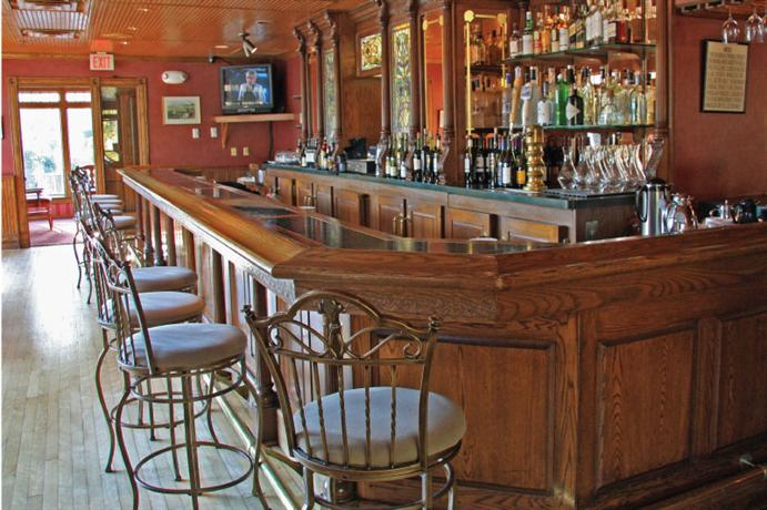 Nicollet island inn minneapolis compare deals for Best private dining rooms minneapolis