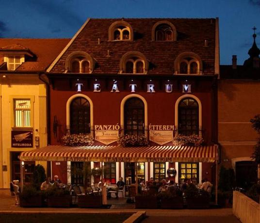 Teatrum Panzio es Etterem - dream vacation
