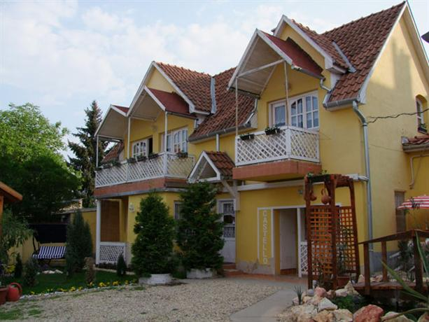 Castello Vendeg es Apartmanhaz - dream vacation