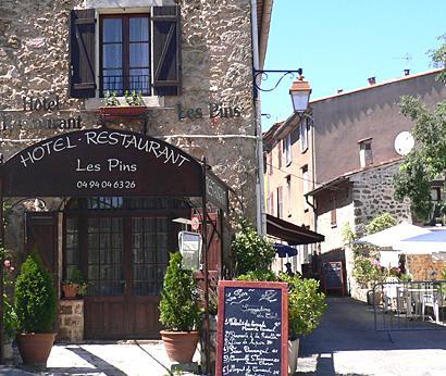 Restaurant Les Pins - dream vacation