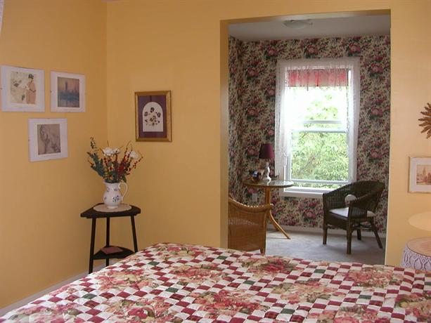 Harwood House Bed Breakfast Wolfville Compare Deals