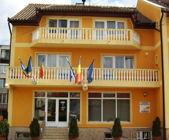 Queen Hotel Arad - dream vacation