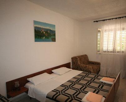 Apartments Stari Grad - dream vacation