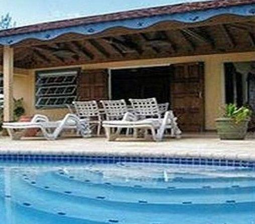 Baywatch Beachfront Villa - dream vacation