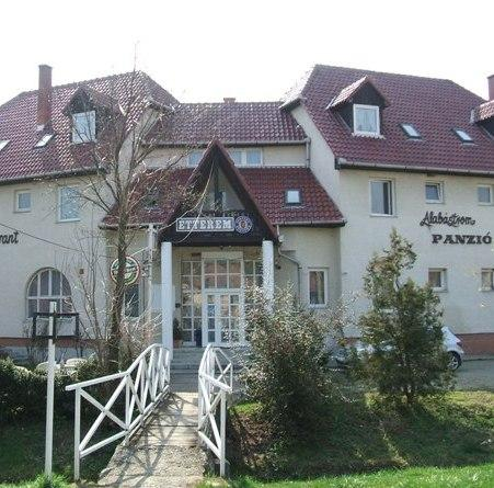 Alabastrom Panzio Es Etterem - dream vacation