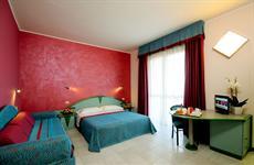 Отель Serena Majestic