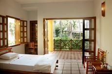 Отель Waterside Resort & Spa