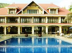 Отель The Wharf Hotel & Marina