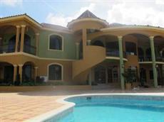 Вилла Milbrooks Resort